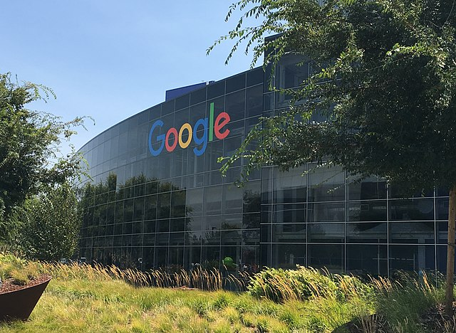 This image of the Googleplex is the work of The Pancake of Heaven and has a CC BY-SA 4.0 license.